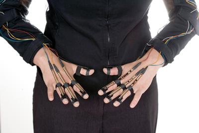 sensor hands - Somaya